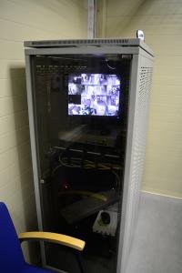 Дата-центр IMAQLIQ - узел наблюдения внутри серверного зала